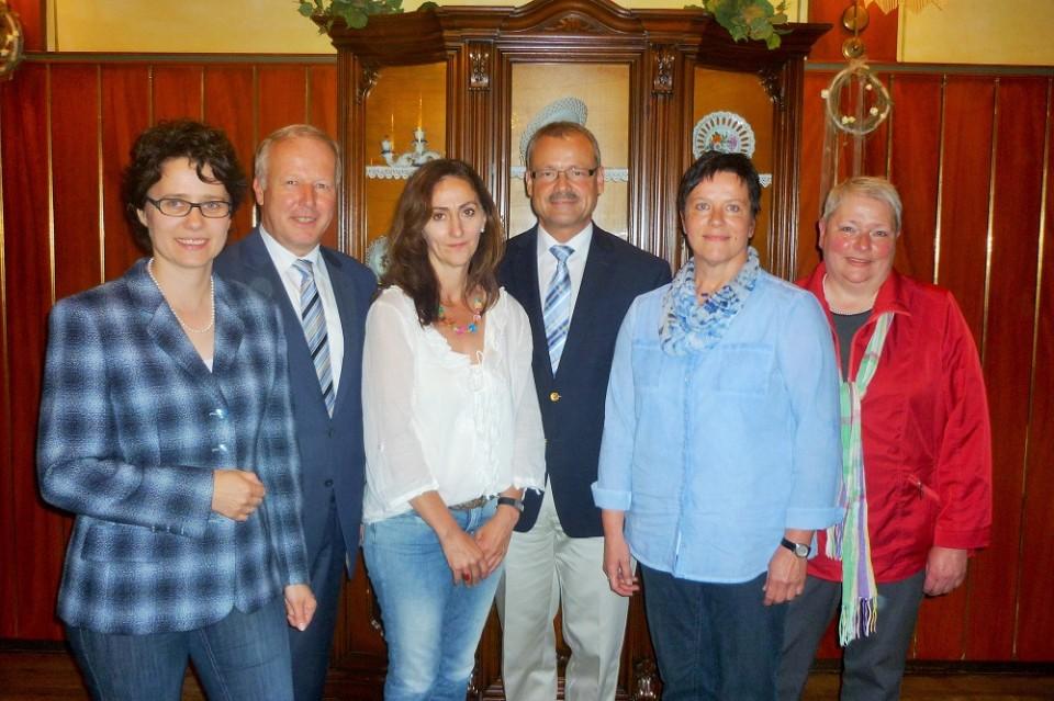 v.l. Marion Gentges (Wahlkreiskandidatin),Peter Weiss MdB,Helena Gareis, Dr. Andreas Jakob,Ute Königsmann, CDU-Stadtverbandsvorsitzende Annette Korn