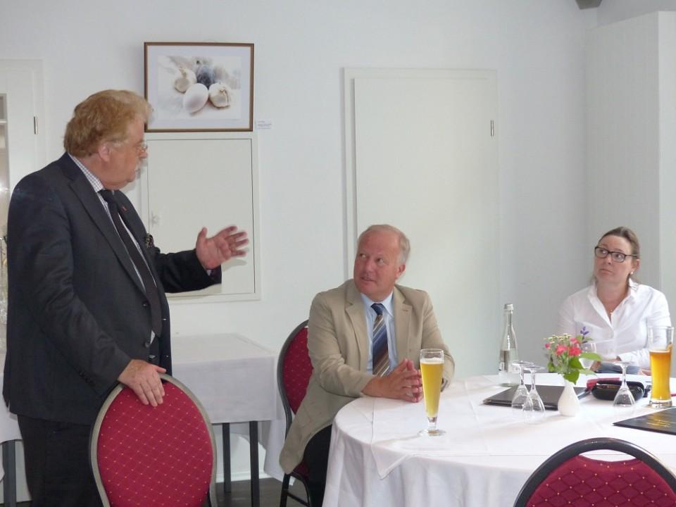 Unser Bild zeigt Elmar Brok (li.) und Peter Weiß (re.).